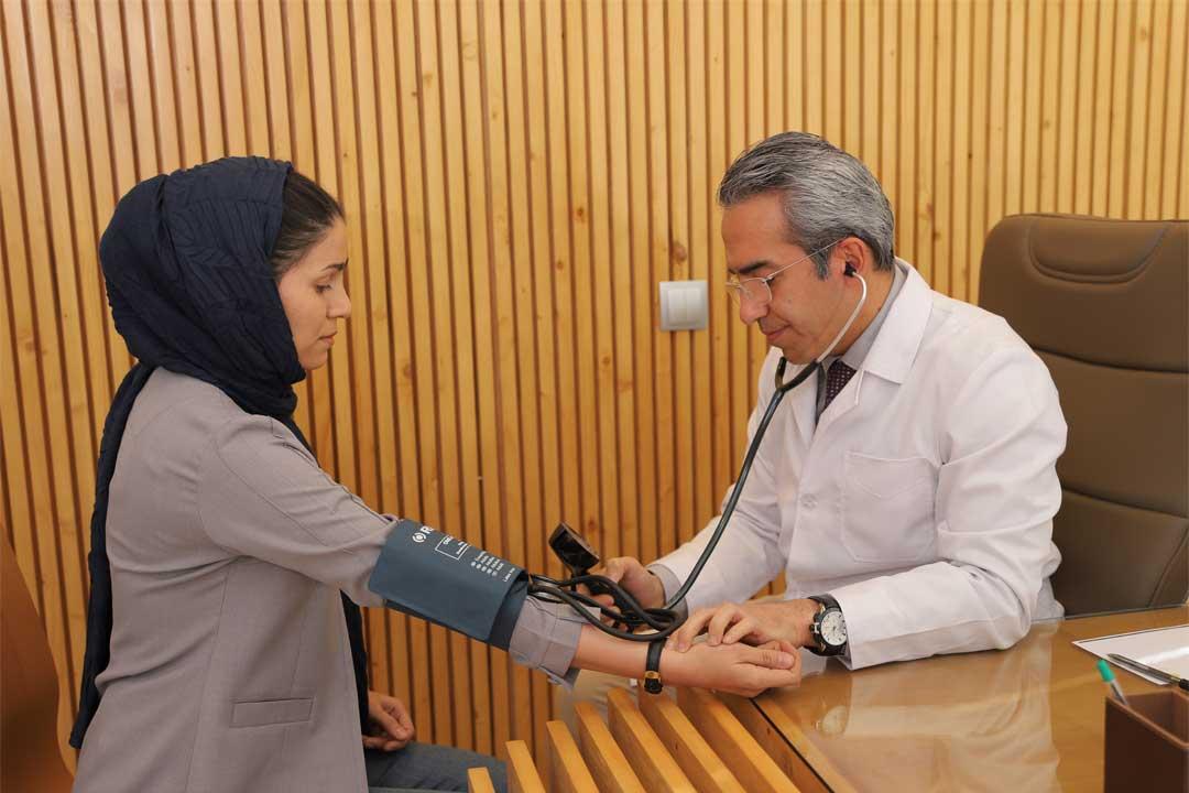بهترین متخصص قلب در مشهد، متخصص قلب در مشهد، دکتر احسان جمشیدیان